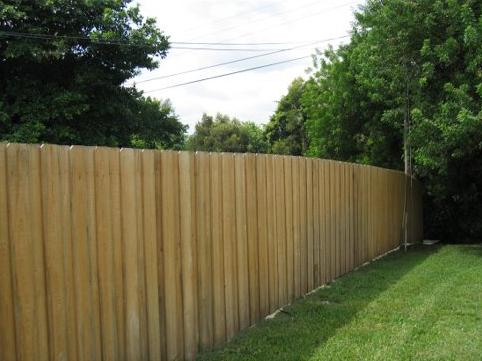 Wood Fence - Board on Board