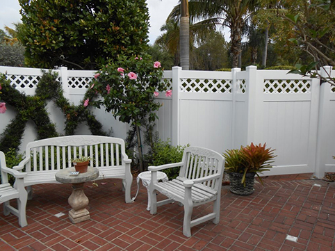 PVC-Vinyl Decorative Fence